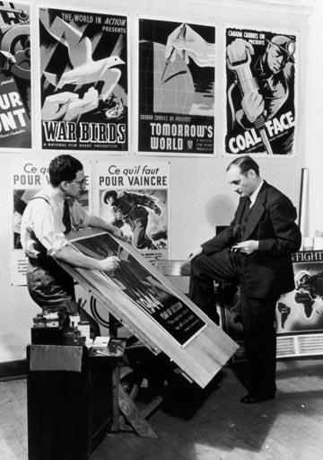 برادران لومیر نخستین فیلمسازانی بودند که در دهه 1890 دست به ساختن مستند زدند و سی سال بعد، جان گریرسن فیلمساز و منتقد بریتانیایی این واژه ...